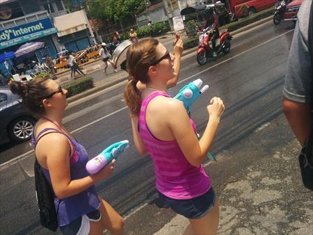 【タイのソンクラーン祭り2016年版】チェンマイで参加してみた口コミ