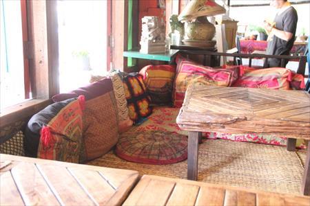 タイのチェンマイのおススメカフェ!モン族市場のタメルカフェ