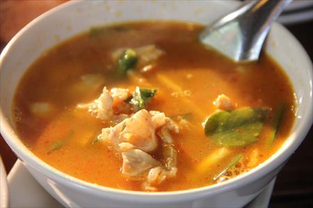 チェンマイで爆発的大人気の北タイ料理レストラン「トーン」