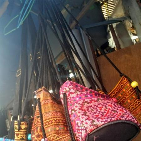 タイのモン族市場で安く雑貨を購入する方法