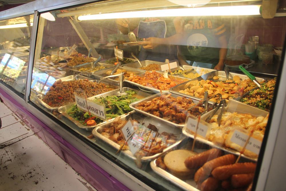 【注意喚起の追記あり】チェンマイで安く食事が出来る「チェンマイ大学の学食」【学校関係者のみ利用可】
