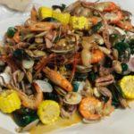 手づかみで食べるシーフードレストランがタイのチェンマイでも大人気!?