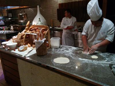 チェンマイのシャングリラホテルで優雅なシーフードディナービュッフェを堪能