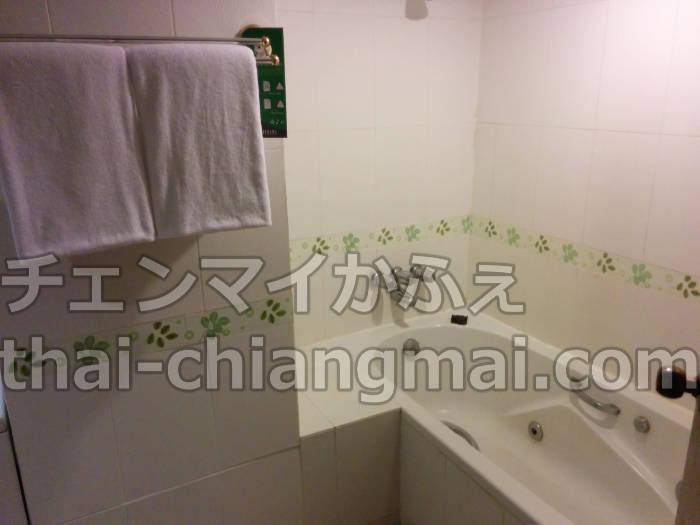 チェンマイのニマンヘミンエリアのおすすめホテル!フラマホテルチェンマイのバスルーム