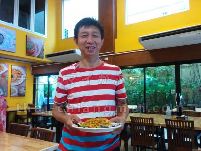 雲南飯店の店主さんは日本語ペラペラ